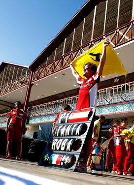 F1 GP Inghilterra: video Pirelli sul circuito di Silverstone - Foto 8 di 8