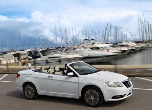 Lancia Flavia Cabrio, provata su strada la nuova Flavia scoperta - Foto 9 di 28