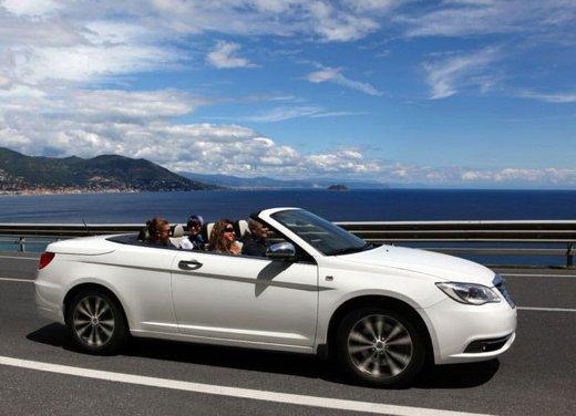 Lancia Flavia Cabrio, provata su strada la nuova Flavia scoperta - Foto 22 di 28