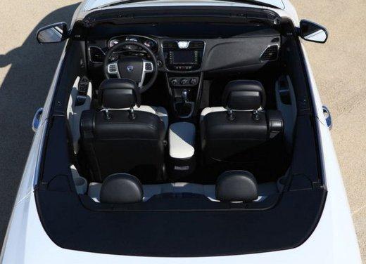 Lancia Flavia Cabrio, provata su strada la nuova Flavia scoperta - Foto 17 di 28