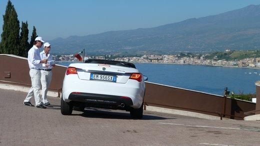Lancia Flavia Cabrio, provata su strada la nuova Flavia scoperta - Foto 28 di 28