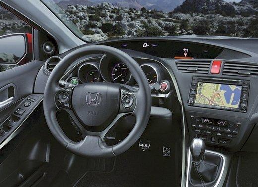 Honda Civic, prestazioni e consumi della gamma a benzina - Foto 19 di 32
