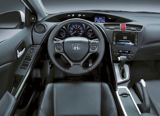 Honda Civic, prestazioni e consumi della gamma a benzina - Foto 29 di 32