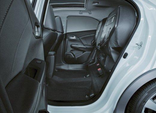 Honda Civic, prestazioni e consumi della gamma a benzina - Foto 32 di 32