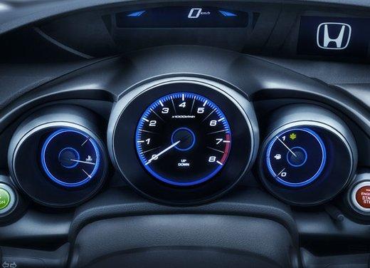 Honda Civic, prestazioni e consumi della gamma a benzina - Foto 31 di 32