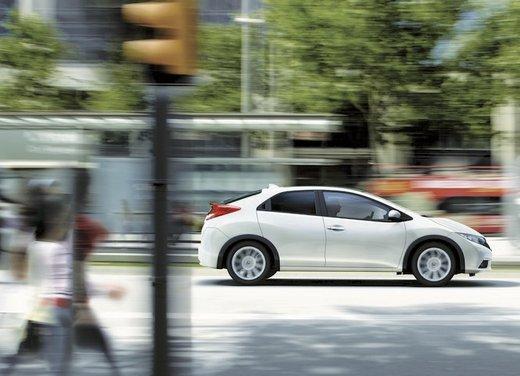 Honda Civic, prestazioni e consumi della gamma a benzina - Foto 23 di 32
