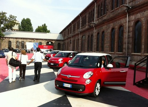 Fiat 500L: prezzo di 15.550 euro, motorizzazioni ed allestimenti - Foto 11 di 32
