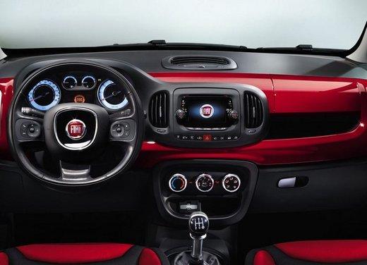 Fiat 500L: prezzo di 15.550 euro, motorizzazioni ed allestimenti - Foto 28 di 32