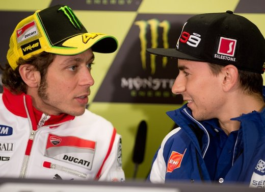 Valentino Rossi e Yamaha: progetto di due anni con Superbike - Foto 7 di 12