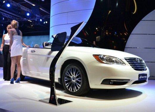 Lancia Flavia Cabrio punta sulla dolce vita e la sua cugina Chrysler 200 sul futuro - Foto 5 di 13