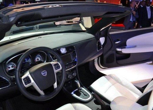 Lancia Flavia Cabrio punta sulla dolce vita e la sua cugina Chrysler 200 sul futuro - Foto 8 di 13
