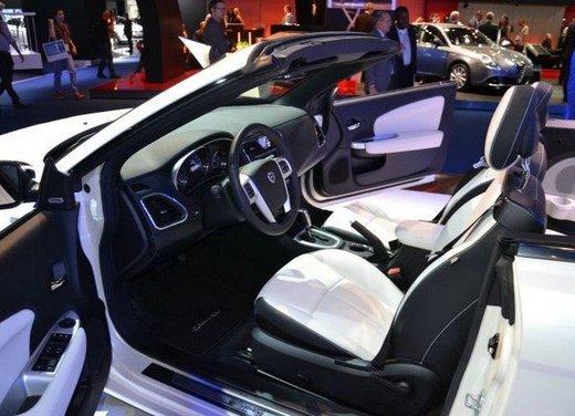 Lancia Flavia Cabrio punta sulla dolce vita e la sua cugina Chrysler 200 sul futuro - Foto 12 di 13