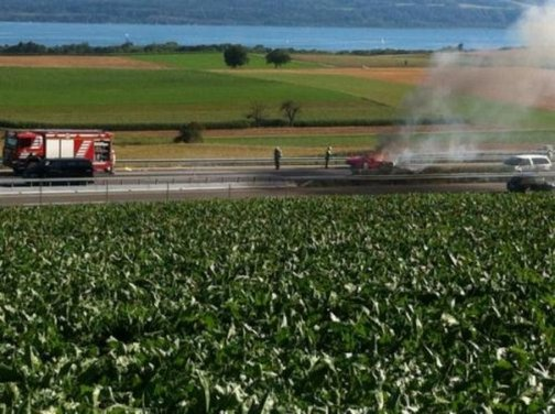 Ferrari 458 Italia in fiamme in Svizzera - Foto 5 di 7