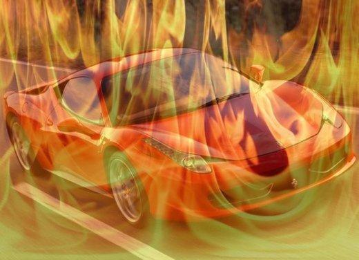 Ferrari 458 Italia in fiamme in Svizzera - Foto 7 di 7