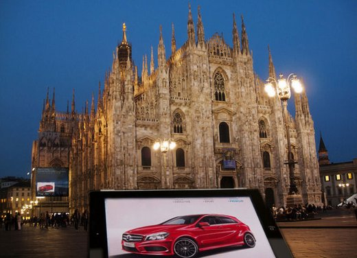Apple iPad e video wall: la quarta dimensione di nuova Mercedes  Classe A