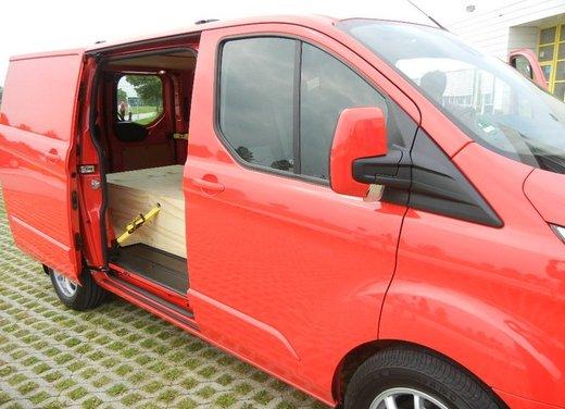 Ford Transit e Tourneo Custom: prova su strada - Foto 12 di 19