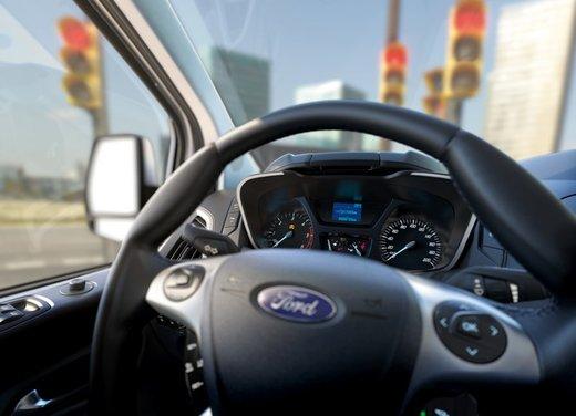 Ford Transit e Tourneo Custom: prova su strada - Foto 18 di 19