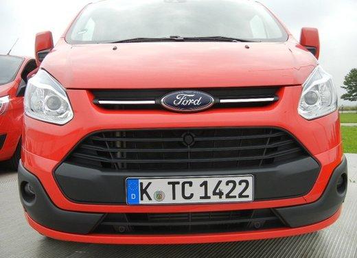Ford Transit e Tourneo Custom: prova su strada - Foto 3 di 19