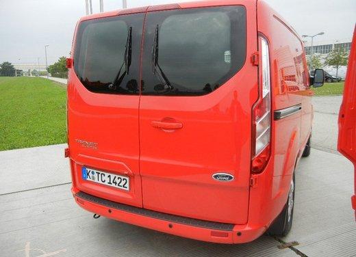 Ford Transit e Tourneo Custom: prova su strada - Foto 4 di 19