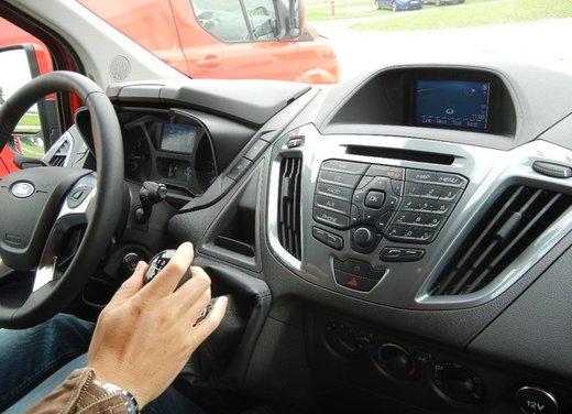 Ford Transit e Tourneo Custom: prova su strada - Foto 6 di 19