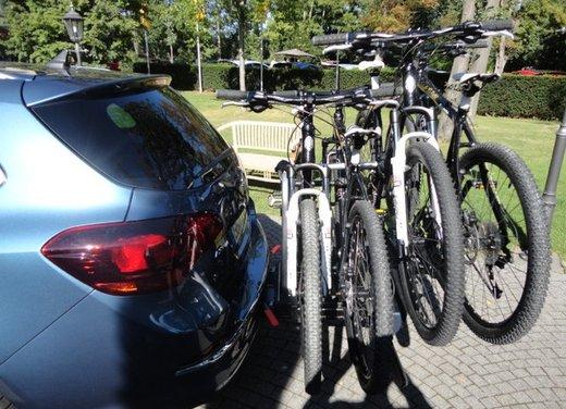 Opel Astra prova su strada della nuova gamma - Foto 21 di 34