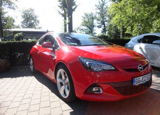 Opel Astra prova su strada della nuova gamma - Foto 24 di 34