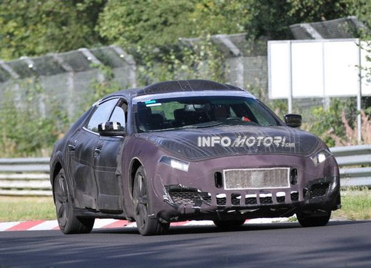 Nuova Maserati Quattroporte scende in pista in attesa di Parigi 2012