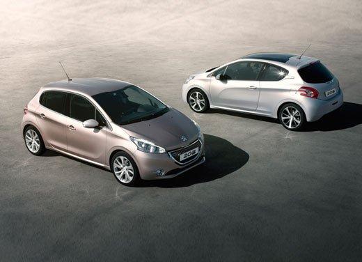 Peugeot 208, consumi e prestazioni del tre cilindri benzina da un litro - Foto 2 di 6