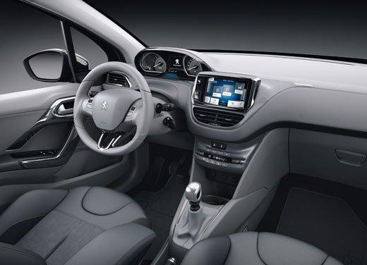 Peugeot 208, consumi e prestazioni del tre cilindri benzina da un litro - Foto 6 di 6