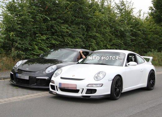 Immagini spia della Porsche 911 GT3 di nuova generazione - Foto 10 di 10