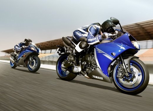 Yamaha YZF-R1 Race Blue