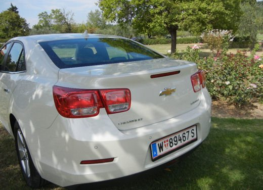 Chevrolet Malibu, prova su strada della berlina americana - Foto 4 di 14