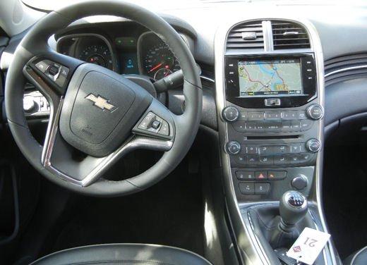 Chevrolet Malibu, prova su strada della berlina americana - Foto 7 di 14