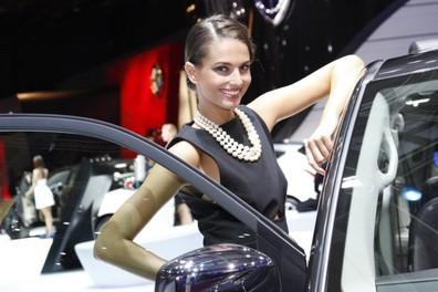 Tutte le più belle ragazze del Salone di Parigi 2012