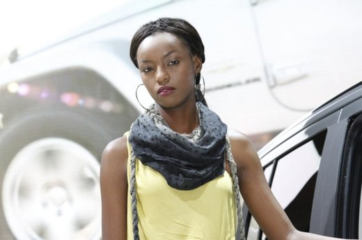 Le modelle più sexy fra gli stand del Salone di Parigi 2012 - Foto 9 di 24