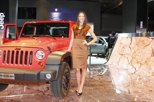 Le modelle più sexy fra gli stand del Salone di Parigi 2012 - Foto 12 di 24