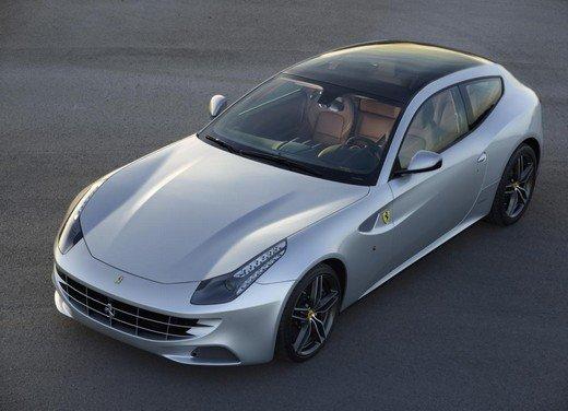 Ferrari FF con tetto panoramico svelata al Salone di Parigi