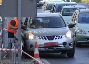 Foto spia della nuova generazione del suv Nissan Murano - Foto 2 di 3