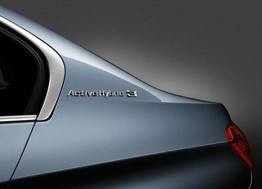BMW Serie 3, prestazioni e consumi della versione ibrida - Foto 17 di 33