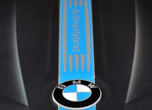 BMW Serie 3, prestazioni e consumi della versione ibrida - Foto 29 di 33