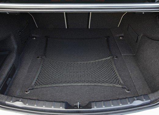 BMW Serie 3, prestazioni e consumi della versione ibrida - Foto 31 di 33