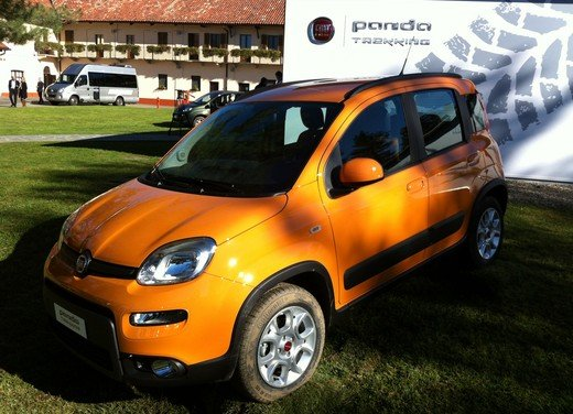 Prova su strada della nuova Fiat Panda Trekking - Foto 10 di 38