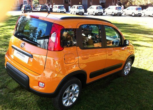 Prova su strada della nuova Fiat Panda Trekking - Foto 12 di 38