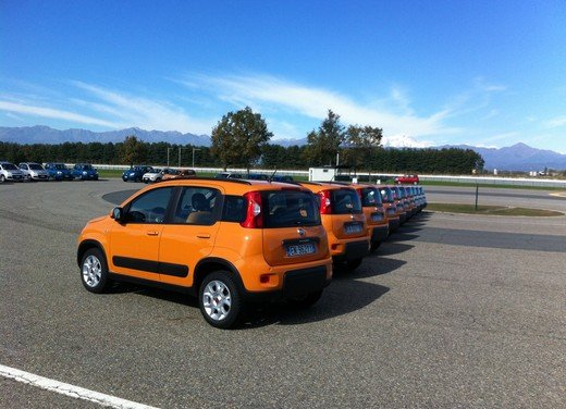 Prova su strada della nuova Fiat Panda Trekking - Foto 1 di 38
