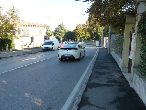 Opel Ampera, long test drive della berlina elettrica ad autonomia estesa - Foto 16 di 29