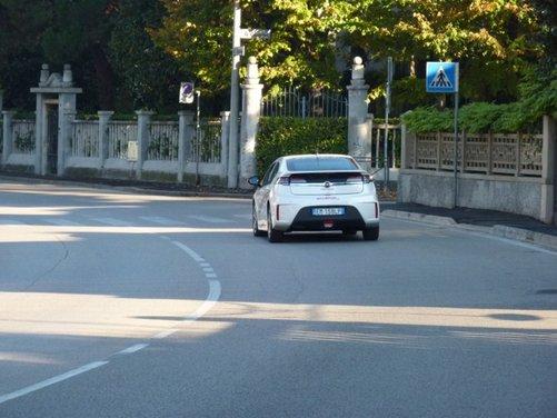 Opel Ampera, long test drive della berlina elettrica ad autonomia estesa - Foto 17 di 29