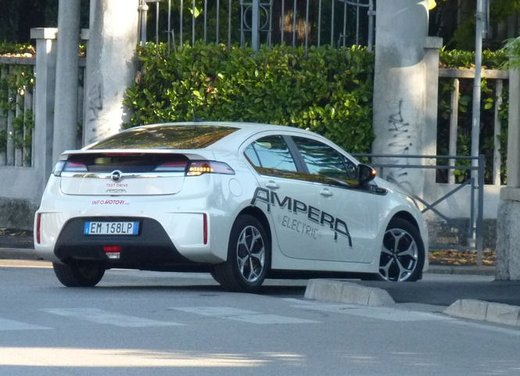 Opel Ampera, long test drive della berlina elettrica ad autonomia estesa - Foto 18 di 29