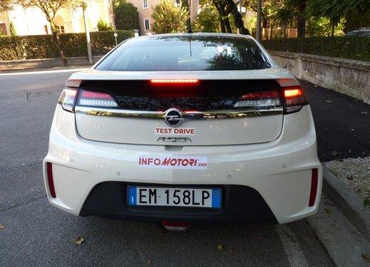 Opel Ampera, long test drive della berlina elettrica ad autonomia estesa - Foto 23 di 29