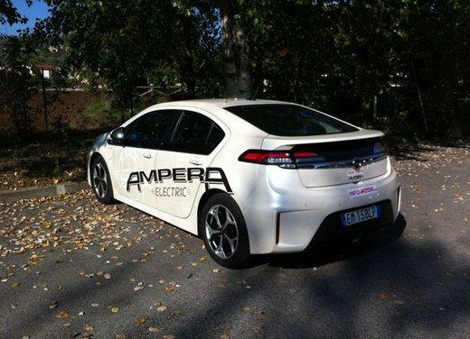Opel Ampera, long test drive della berlina elettrica ad autonomia estesa - Foto 1 di 29
