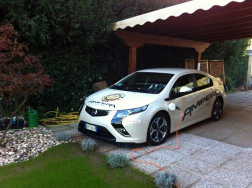 Opel Ampera, long test drive della berlina elettrica ad autonomia estesa - Foto 3 di 29